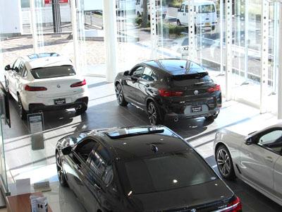 【BMWサービスフロント】★あなたもBMWを取り扱う社員として一緒に働きませんか?車に興味がある方など大歓迎です♪★各種社会保険ありで安心!★お気軽にご応募ください♪イメージ03