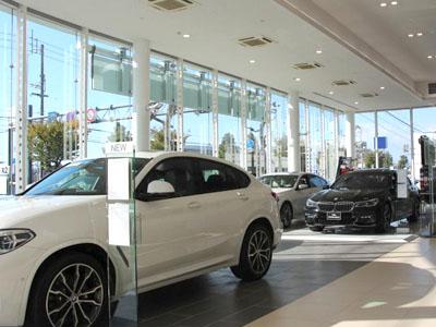 【BMWサービスフロント】★あなたもBMWを取り扱う社員として一緒に働きませんか?車に興味がある方など大歓迎です♪★各種社会保険ありで安心!★お気軽にご応募ください♪イメージ04