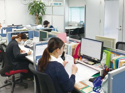 [資格不要!大人気の一般事務(正社員)]幅広い年齢層の職場でとても働きやすい環境です!厚待遇なので安定して働けます!年間休日105日以上!プライベートも充実♪★未経験の方も歓迎!イメージ02